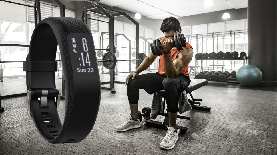 тренировка с фитнес-браслетом