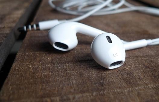 как разобрать earpods для чистки