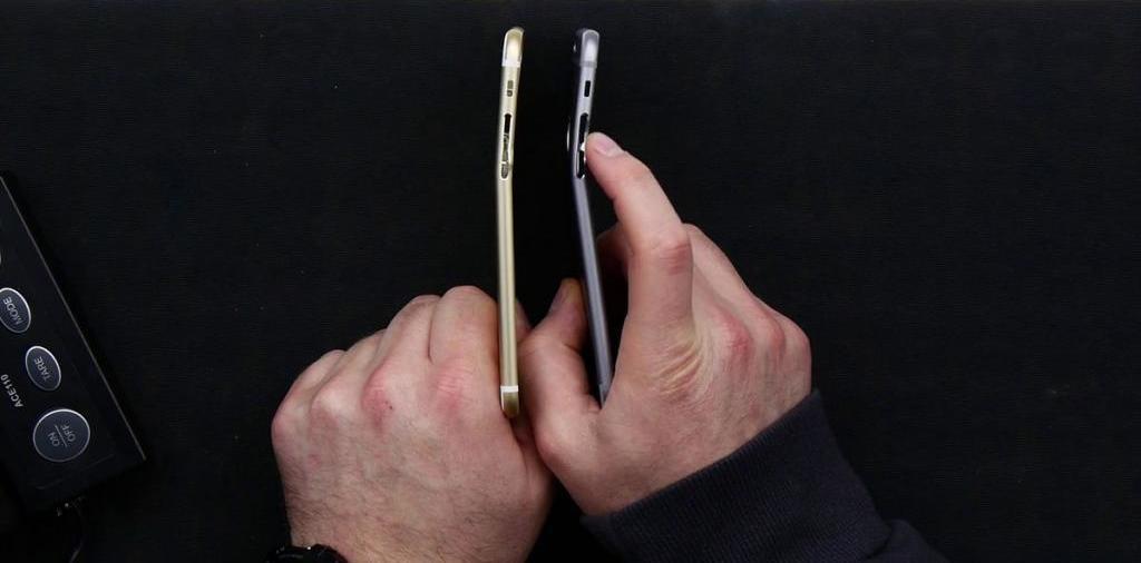 как снять заднюю крышку на айфоне