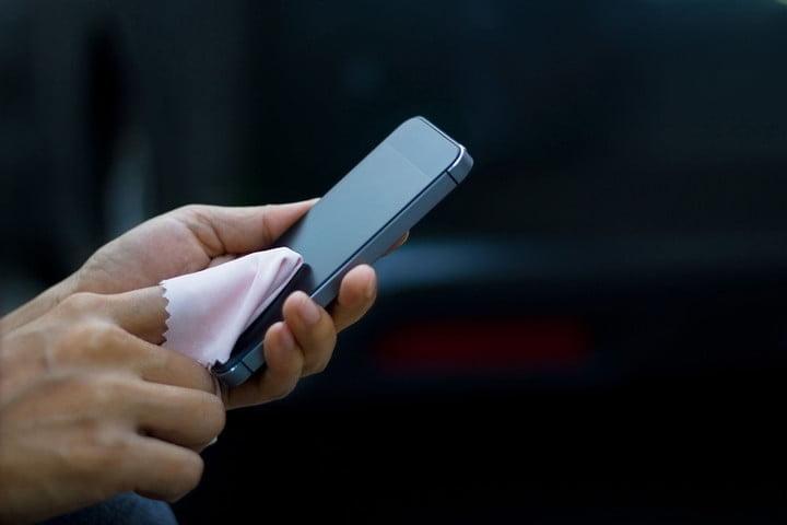 почистить экран телефона в домашних условиях