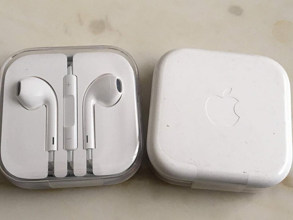 Оригинальная гарнитура Apple